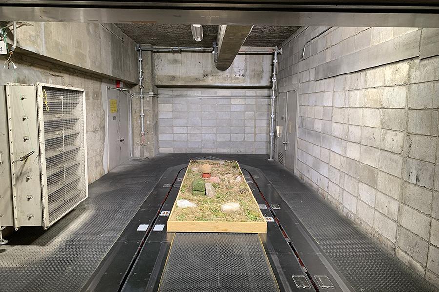 「京都新聞ビル地下1階」。最優秀賞作品、野田幸江「フィールド」