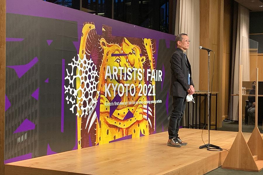 アーティスツフェアキョウトのディレクターであり、自身も現代芸術家である椿昇氏