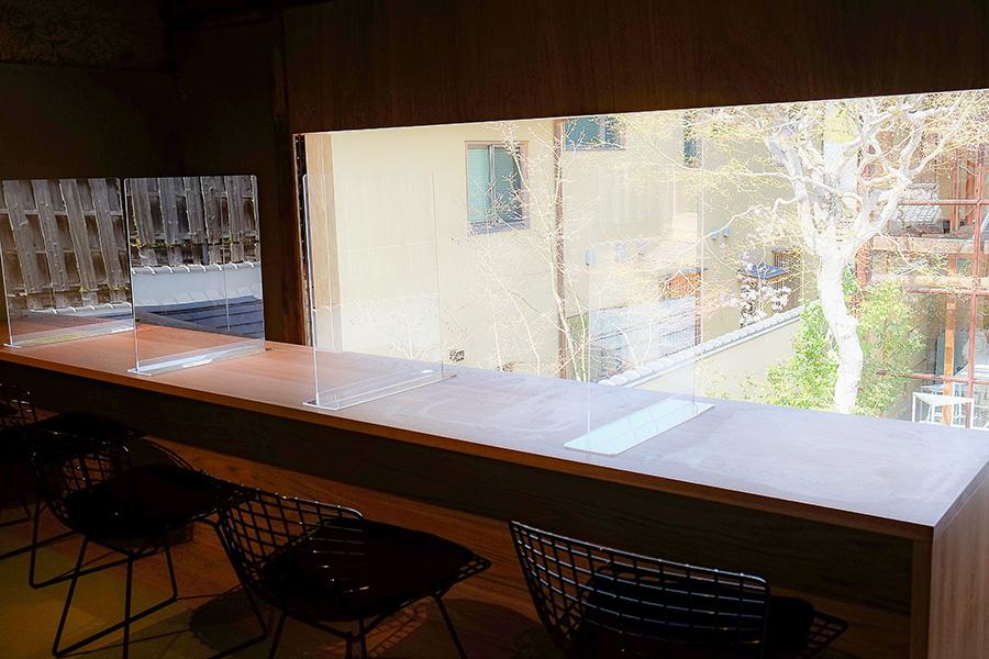 「はなれ」の2階をリノベーションし、完成した「The Lounge -Kyoto-」。1階で靴を脱ぎ、畳敷きの室内でリラックス