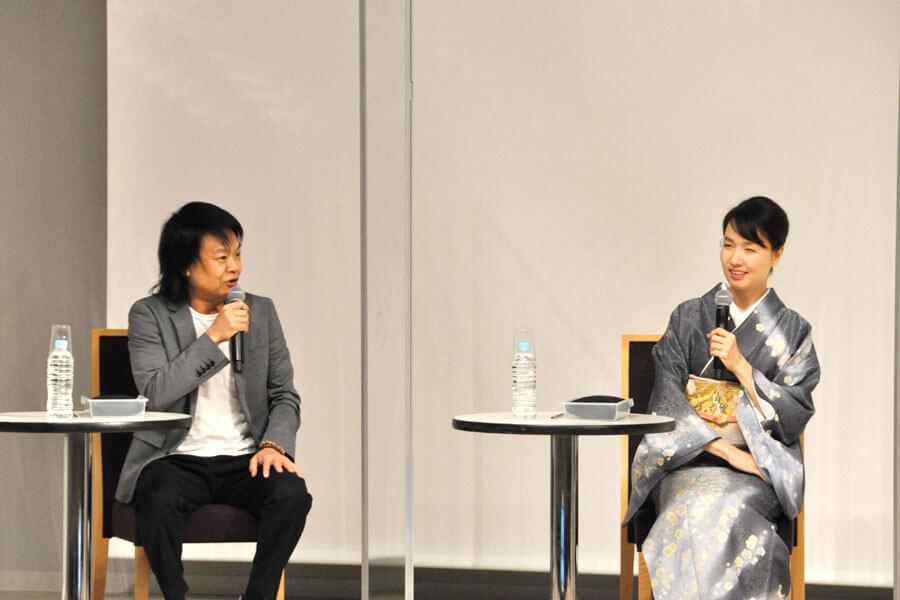 連続テレビ小説『おちょやん』の出演者として、道頓堀イベントに参加した星田英利といしのようこ(3月22日・大阪市内)