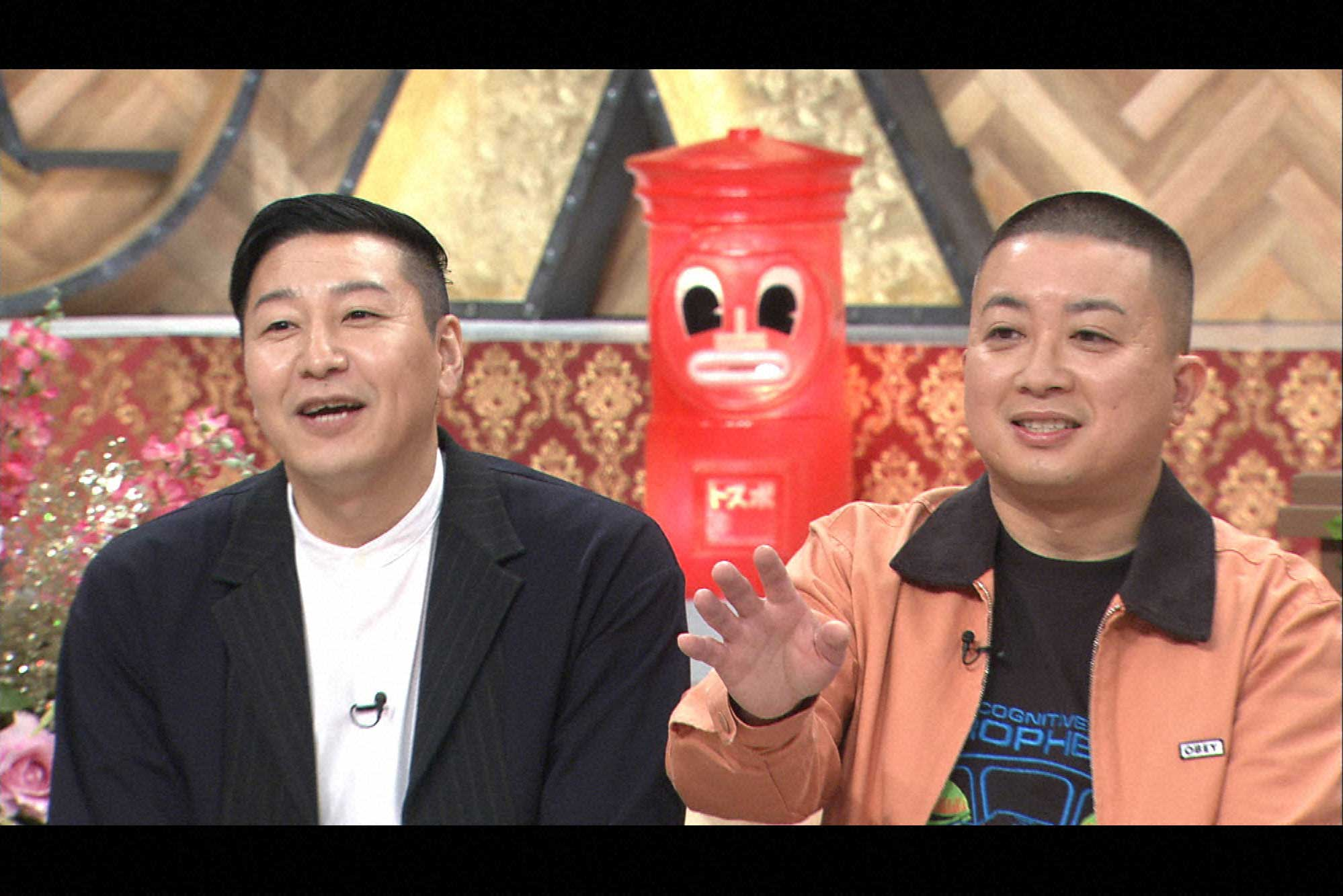 チョコレートプラネットの長田庄平(左)と松尾駿 (C)ytb