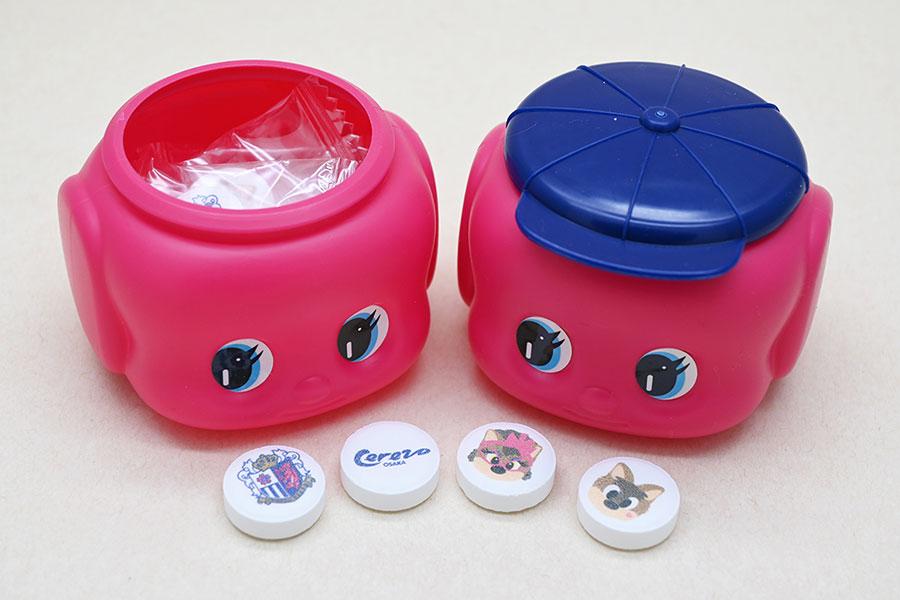 「CEREZO×フエキ ラムネ」(600円)セレッソカラーのフエキくん(レギュラーサイズ容器)の中にセレッソ大阪デザインのラムネ(4種)入り