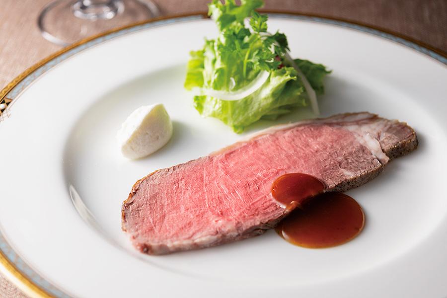 「アメリカンビーフ ロース肉のロースト山葵クリーム添え」