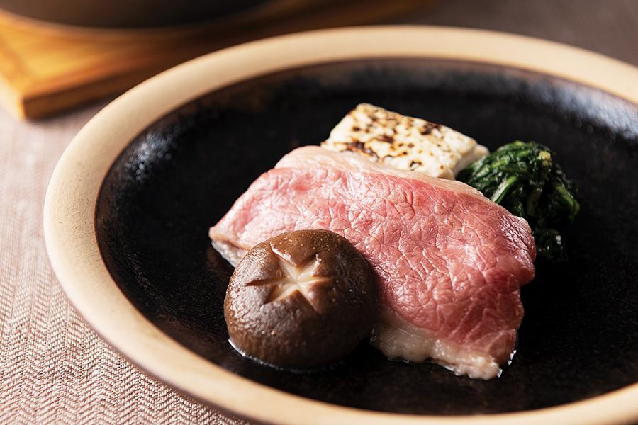 柔らかな肉に感激!「国産牛のすき焼き」