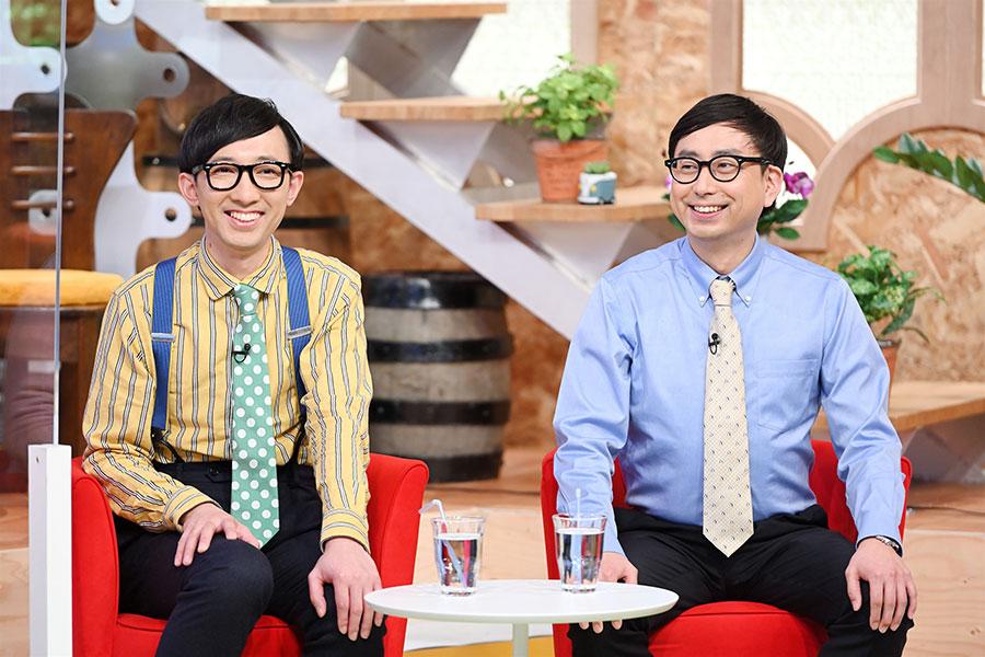 ゲストのおいでやすこが(左から、こがけん、おいでやす小田)(写真提供:MBS)