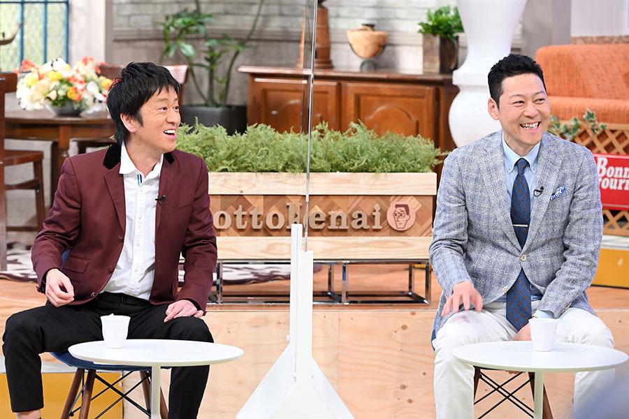 番組MCの東野幸治(右)、ブラックマヨネーズ・吉田敬(写真提供:MBS)