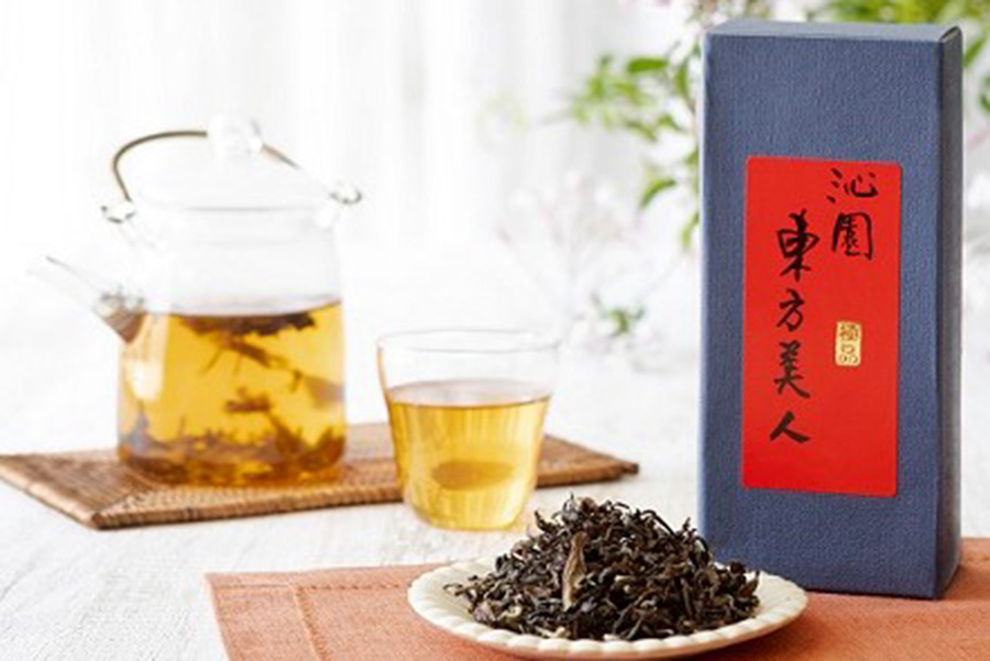 「Oolong Market 茶市場」では「沁園」の茶葉も販売される