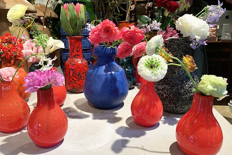 西ドイツのヴィンテージのフラワーベース。花器はベルギーやパリなど、ヨーロッパで買い付けたものが中心