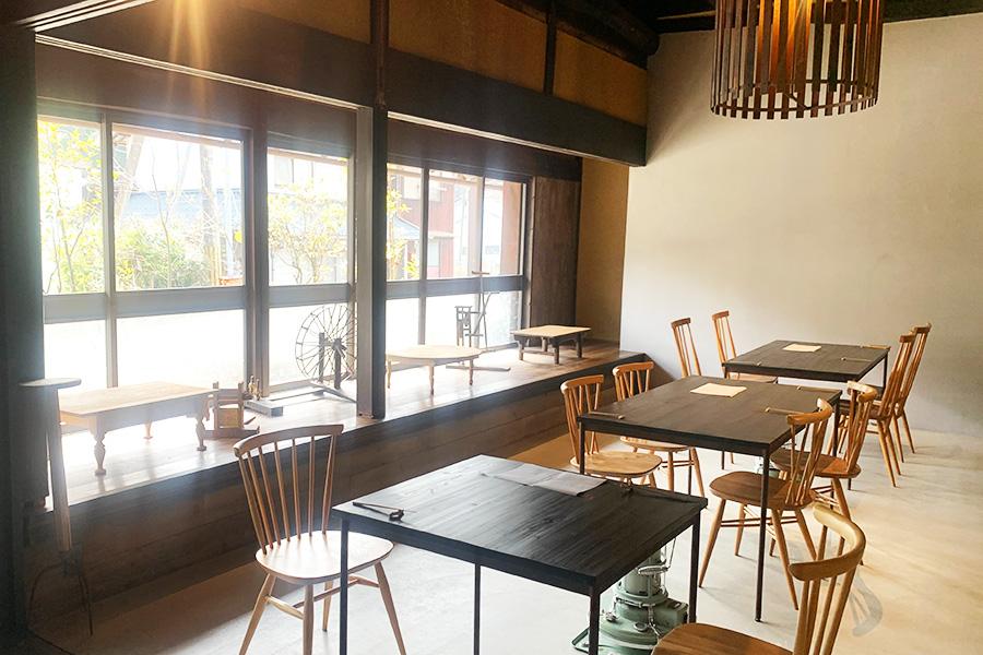 自然光が心地よく、昔ながらの日本家屋を楽しめる空間に