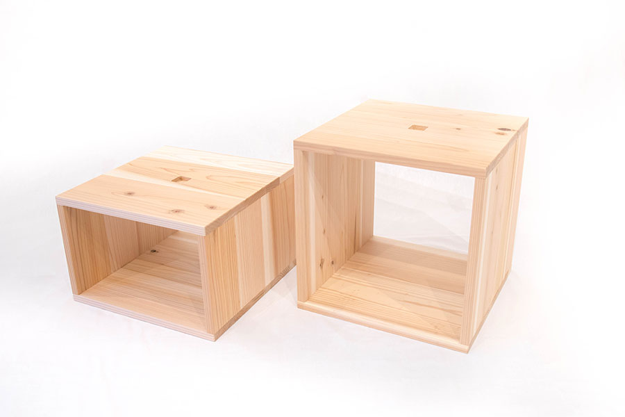木箱のサイズは大W381mm×D381mm×H254mm、小W381mm×D381mm×H381mmの2種類
