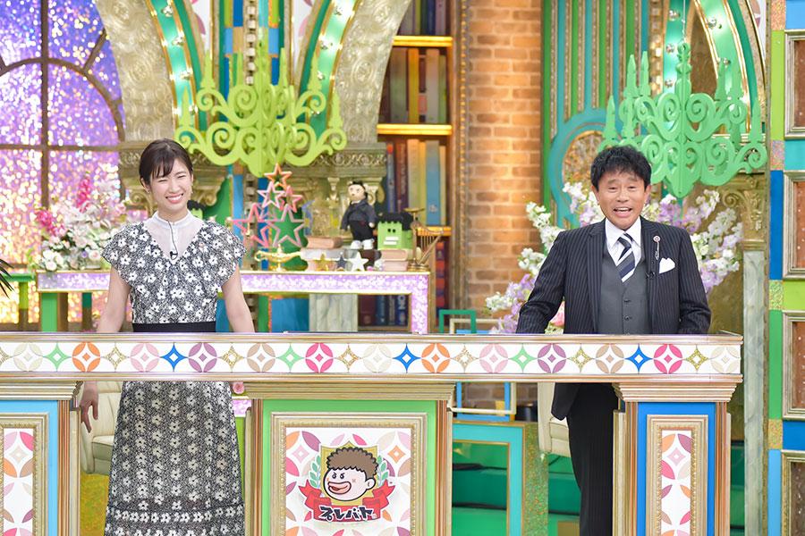 浜田雅功(右)と、MBSアナウンサーの玉巻映美(写真提供:MBS)