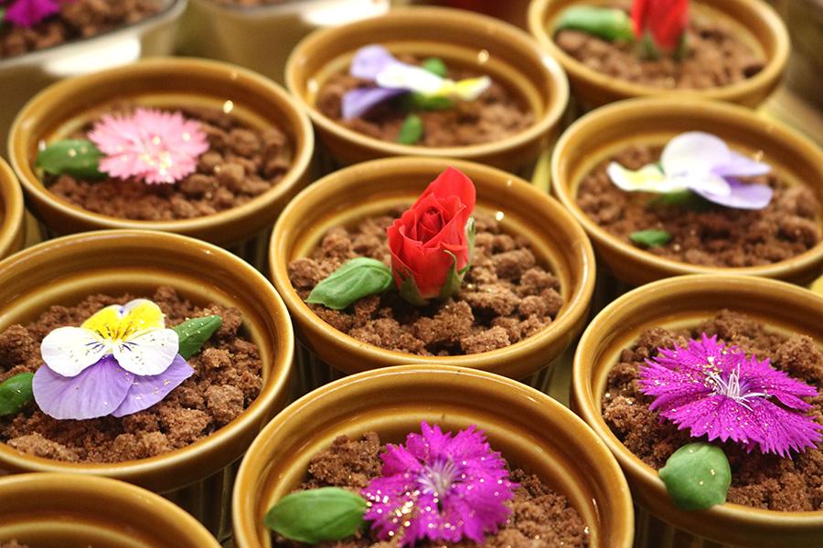 乙女なビジュアル、春仕様のいちごブッフェがリッツ大阪で開幕
