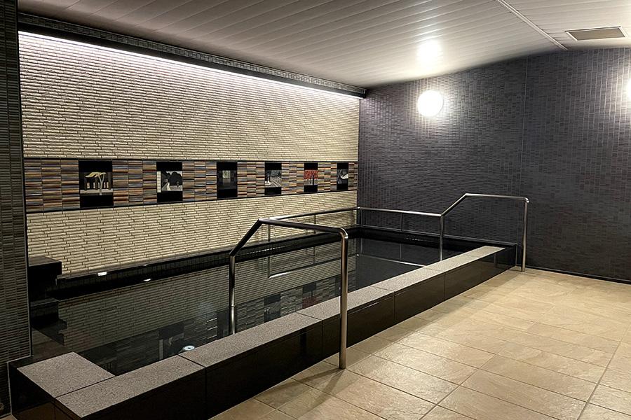 大浴場では、女風呂の入場に専用のカードキーが用意され、安全面にも配慮している
