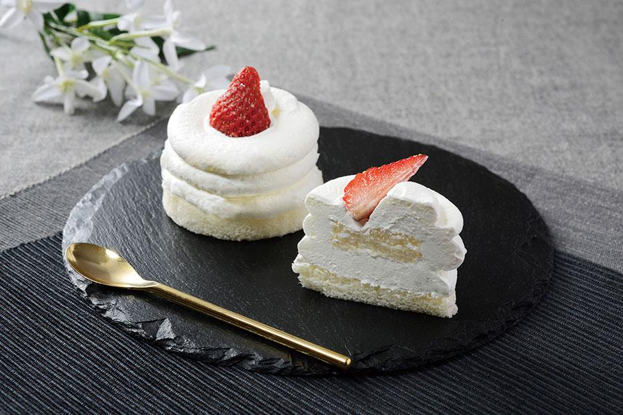 【3/9発売】「絹白クリームの苺ショート」(320円)