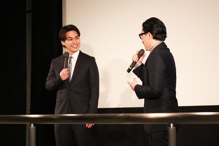 監督は「彼を一番ピュアな状態で見せることができたのがうれしかった。演技というのは作って一方的に見せるものではなくて、役者と役者の間にできたエネルギーのなかで作るものがある」と語ったKENTARO監督