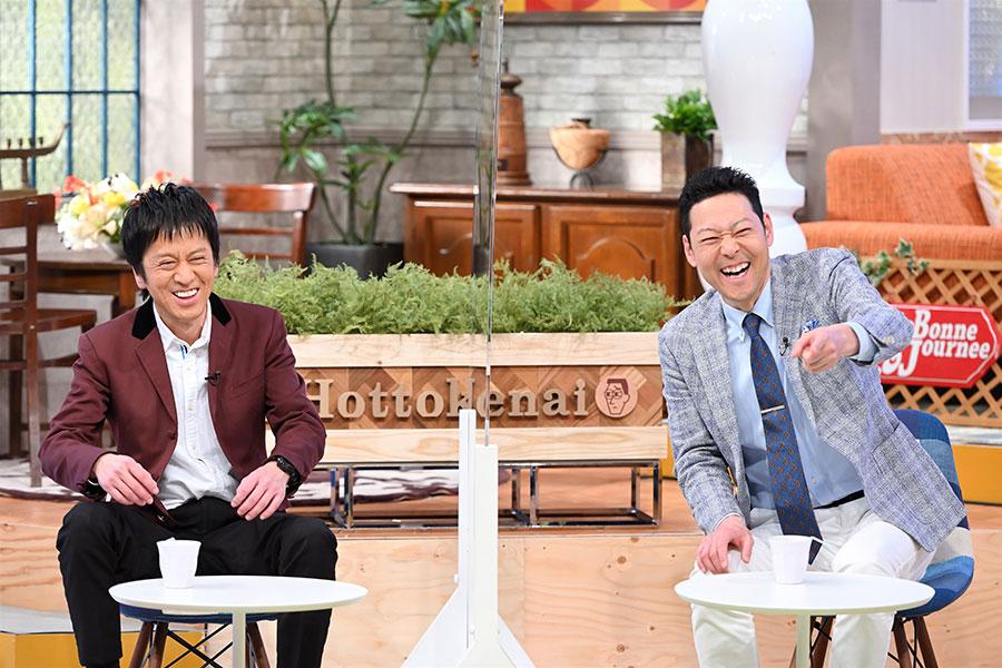 番組MCのタレント・東野幸治(右)とブラックマヨネーズの吉田敬(写真提供:MBS)