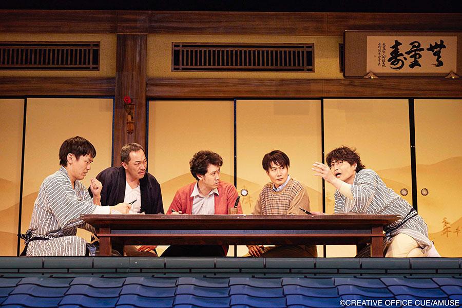 TEAM NACS『マスターピース~傑作を君に~』より(左から森崎博之、音尾琢真、大泉洋、戸次重幸、安田顕)
