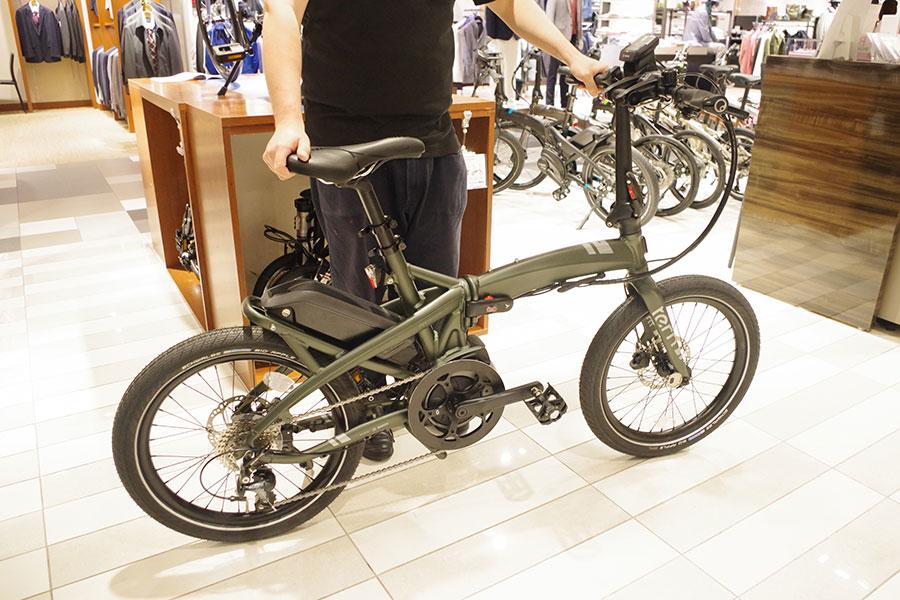 オートバイブレーキを使うなど、走行性重視のTern。最大100km走行可能の大容量バッテリーの電動自転車が人気だそう