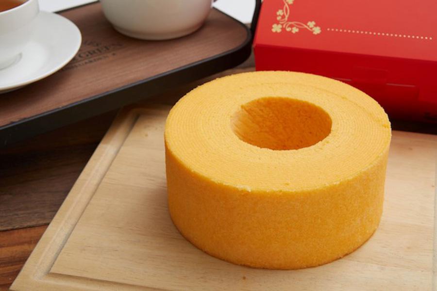 「とよんちのたまご」(千葉県)のとよんちのバウムクーヘン。卵の風味を最大限に活かしている