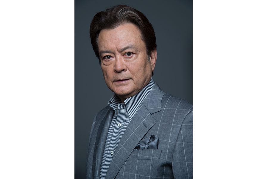 安子の祖父・橘 杵太郎を演じる大和田伸也 (C)NHK