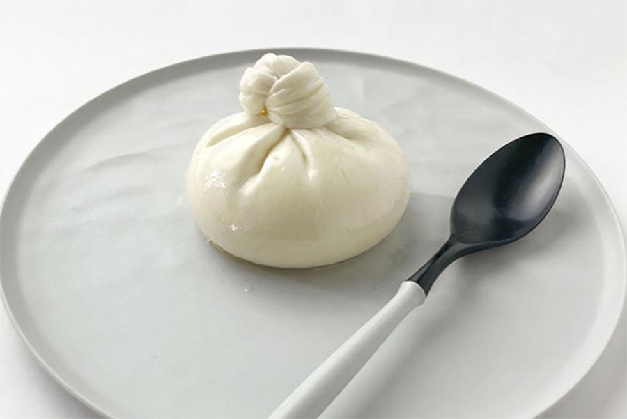 ブッラータチーズ(980円)