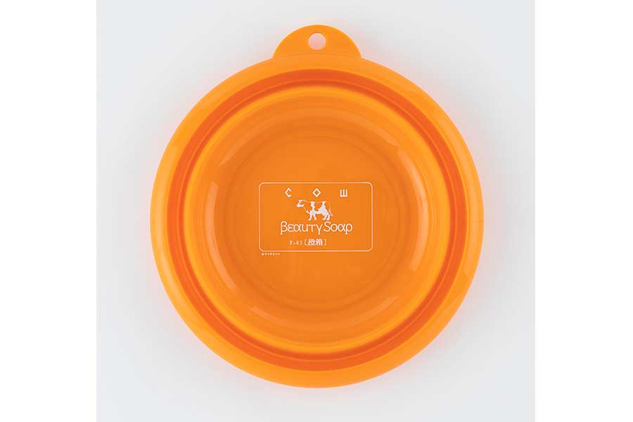 折りたたみの「湯桶」(1760円)