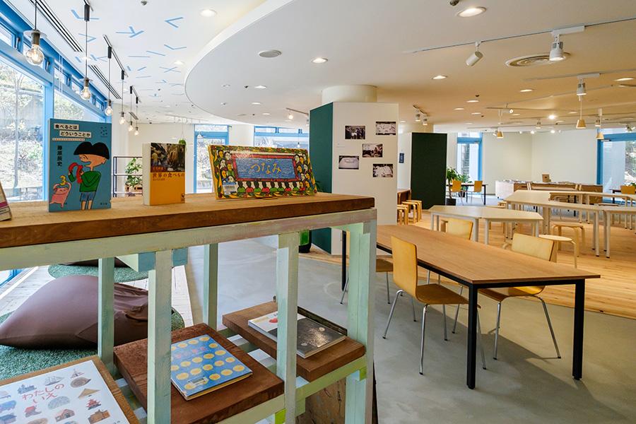 市役所で気軽に遊べる、京都にカフェ併設の新スペース
