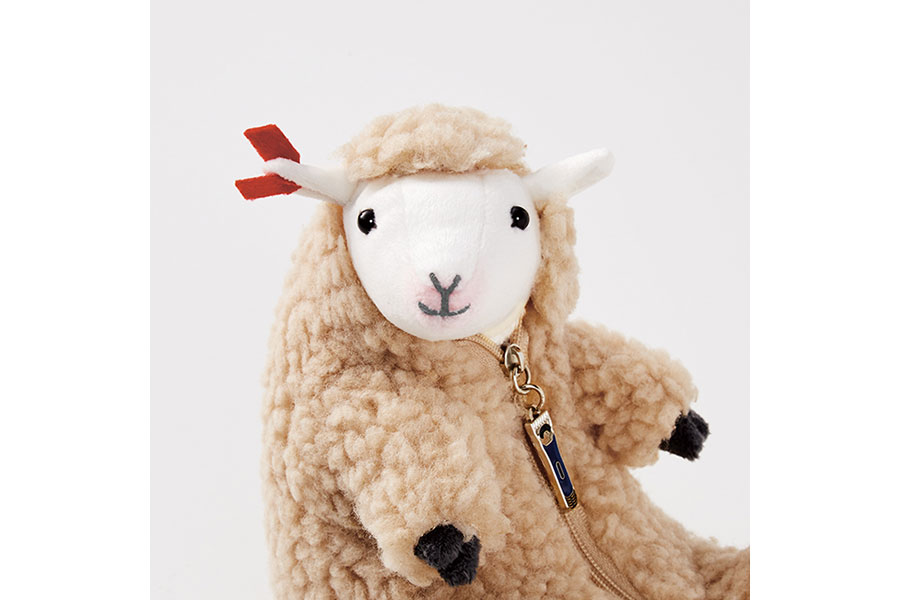 六甲山牧場で販売される羊を判別する耳タグ付き限定バージョン