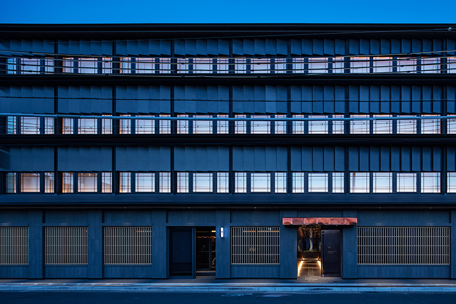 「hotel tou nishinotoin kyoto by withceed」は地下鉄五条駅から徒歩約8分、JR京都駅からは徒歩約10分