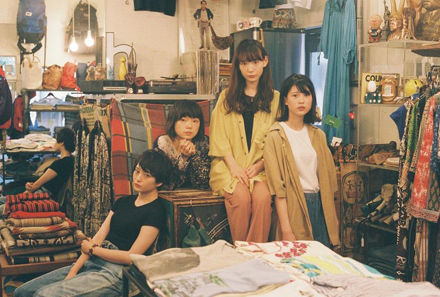 左から萩原みのり、古川琴音、穂志もえか、中田青渚。(C)「街の上で」フィルムパートナーズ