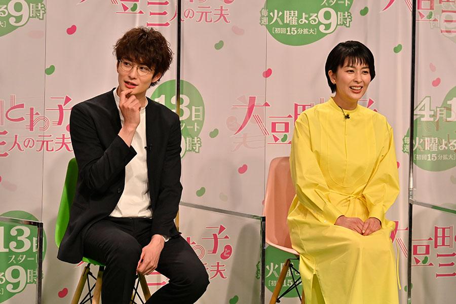岡田将生(左)、松たか子