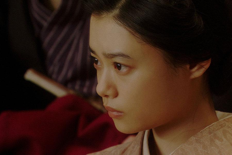 大山社長の話を聞く千代(杉咲花)(C)NHK