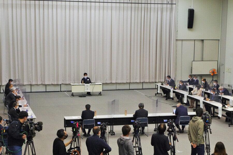 大阪府の「対策本部会議」の様子(4月14日・大阪府庁)