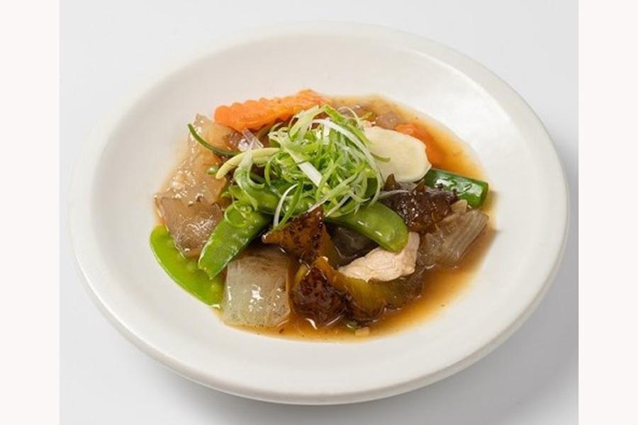 定食セットのメインディッシュ「ナマコと魚の浮袋と豚肉の台湾式炒め」(2750円)