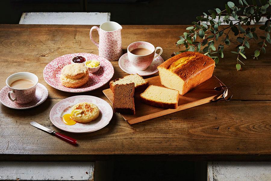 「英国菓子 ブリティッシュプディング」によるレモンドリズルローフと田舎の大きなスコーン(ホール1台、スコーン3個)3824円