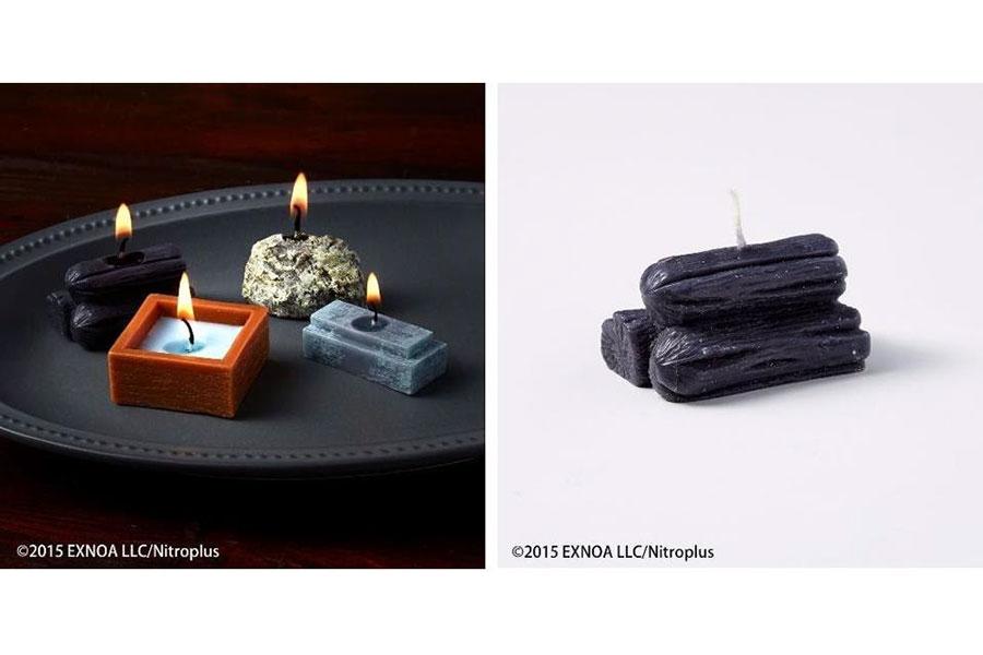 手入や鍛刀に使用する資源「玉鋼」「木炭」「碇石」「冷却材」をモチーフにしたキャンドル「資源イメージキャンドルセット」(1セット3190円)