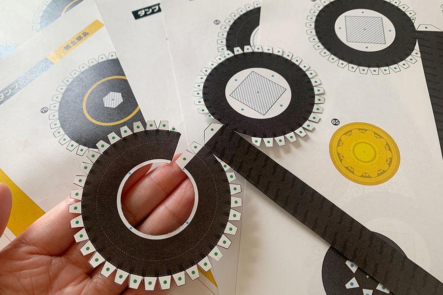 このタイヤパーツを6つ作るのに、途中絶望しました・・・