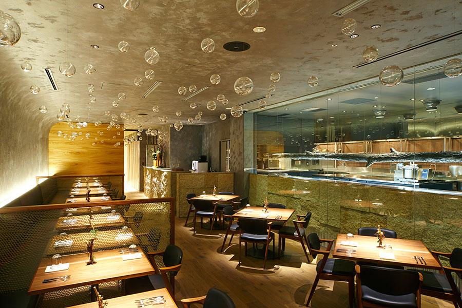 あべのハルカス近鉄本店のレストランフロアにある「エオ〈ベルナール・ロワゾー・スイニャテュール〉」