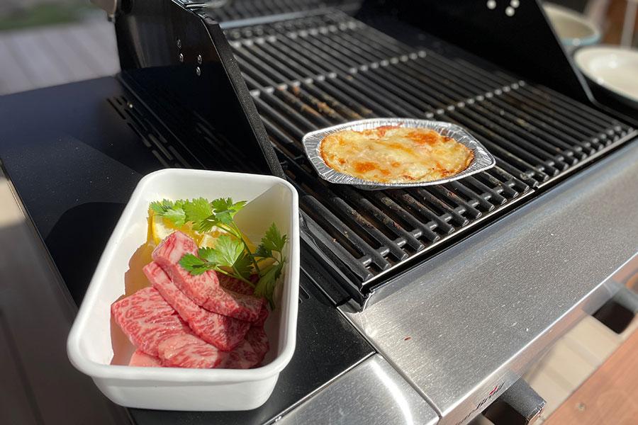 食材はコンロで焼くだけなので、気軽にBBQを堪能できる