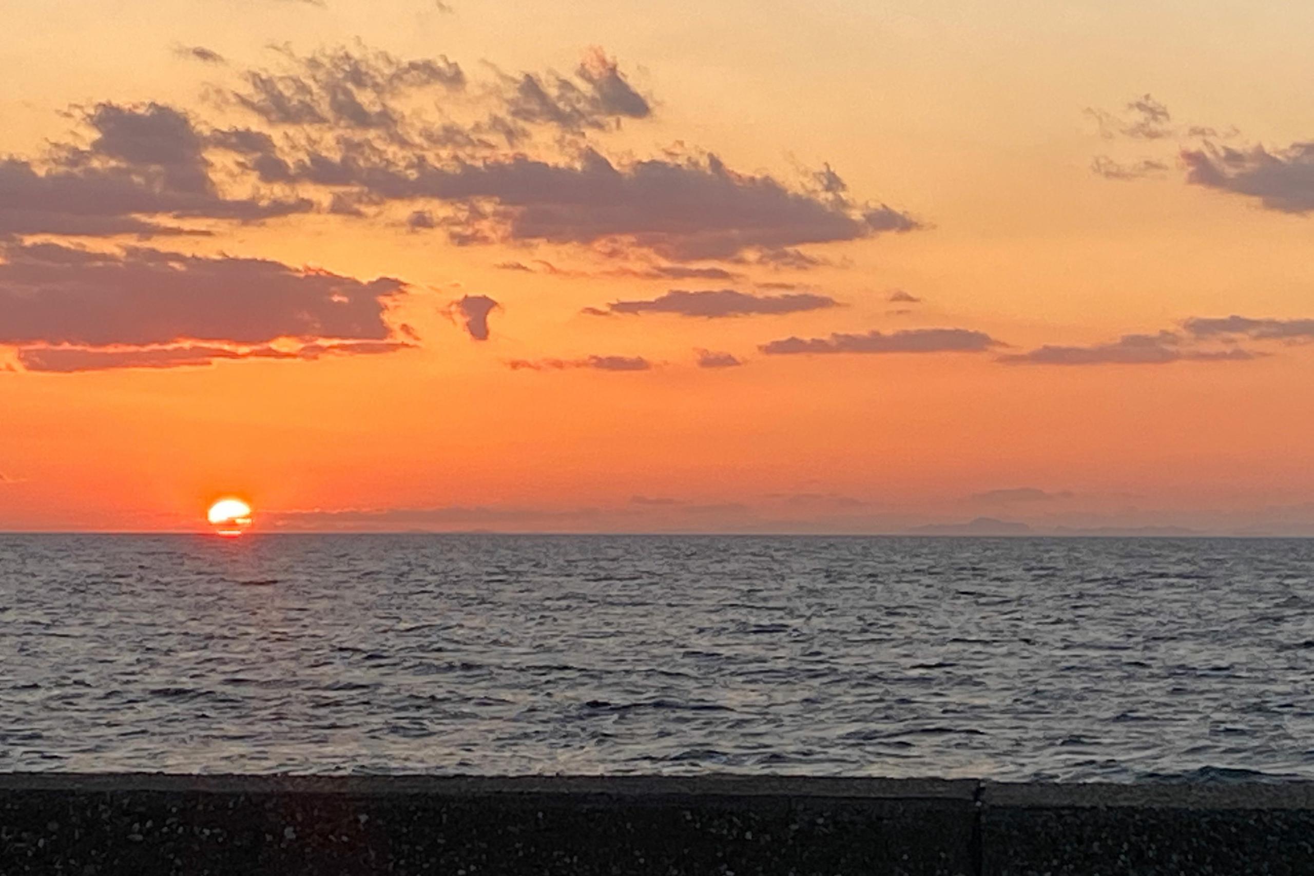 夕陽が美しい淡路島の西海岸