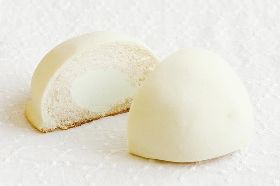 メロンの香り豊かなクリームを使用し、メロンのやさしい甘さが楽しめる「メロン」