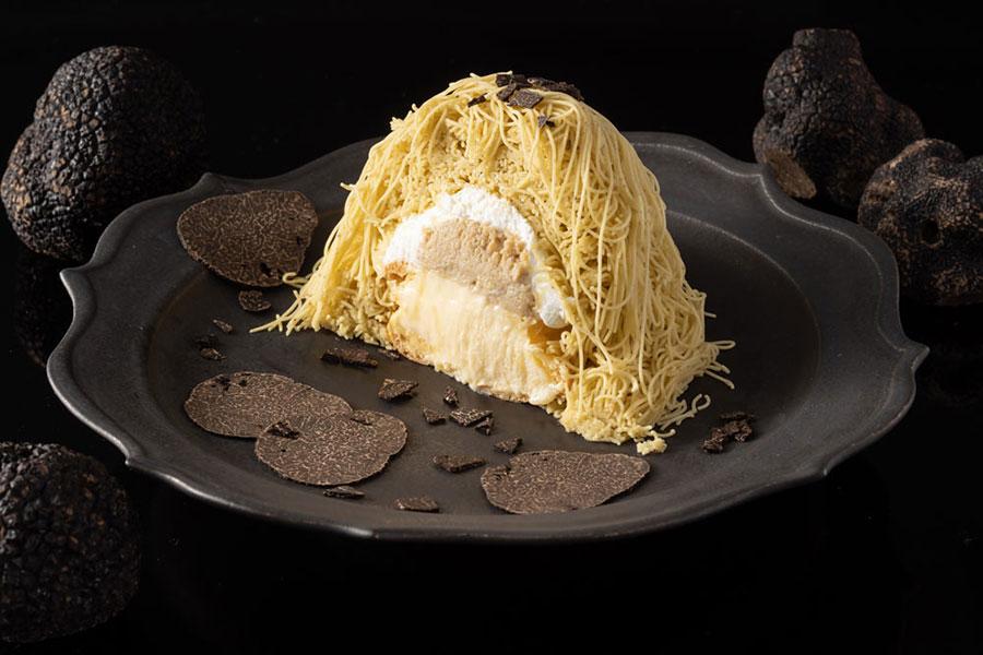 ティラミスクリームと、塩バニラアイスクリームにたっぷりの栗のクリームを