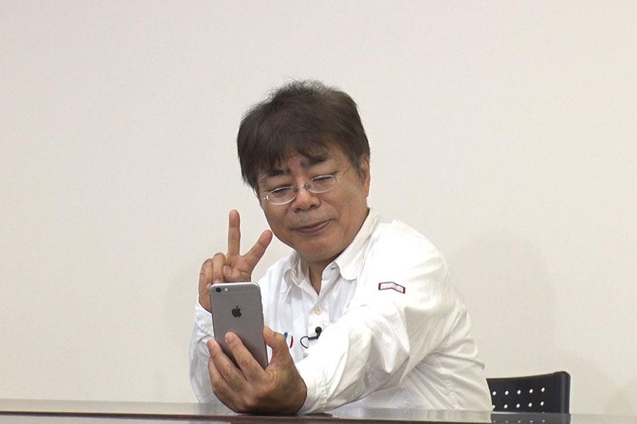 俳優・小倉久寛は若者に大人気の動画投稿アプリ「TikTok」100回にトライ (C)MBS