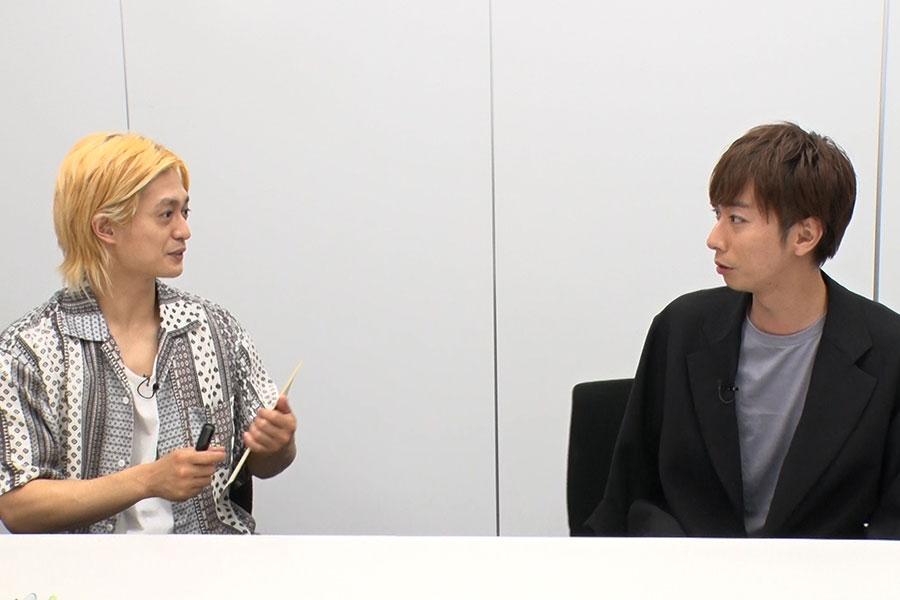 A.B.C-Zの塚田僚一(左)と河合郁人 (C)MBS
