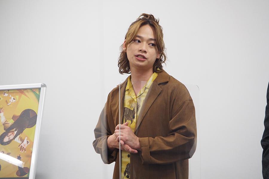 自身が作・演出をする舞台で主演をするというのは初だという池田。会見中、何度も「戦々恐々」というワードを口にしていた(25日、大阪市内)
