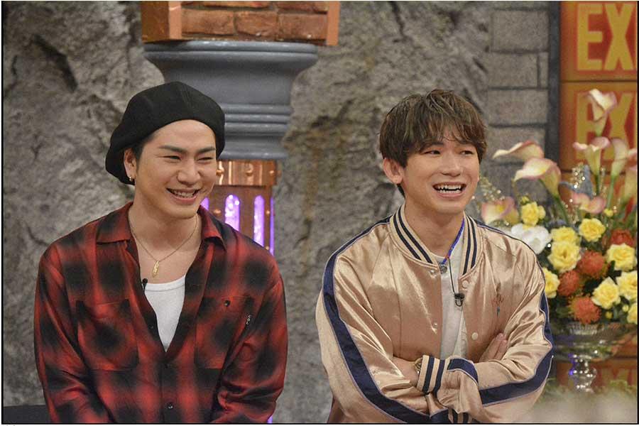 登坂広臣(左)とNAOTO(C)ytv