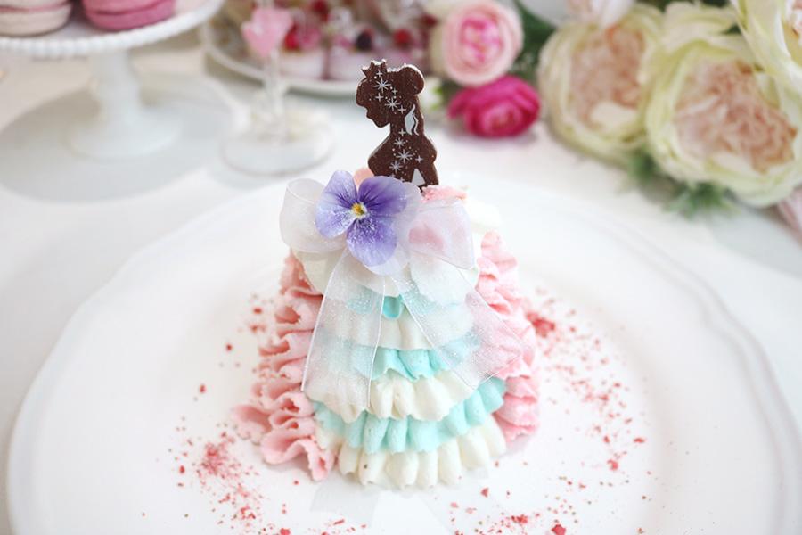 カメラ必携、大阪のカフェで乙女心をくすぐるお姫さまケーキ