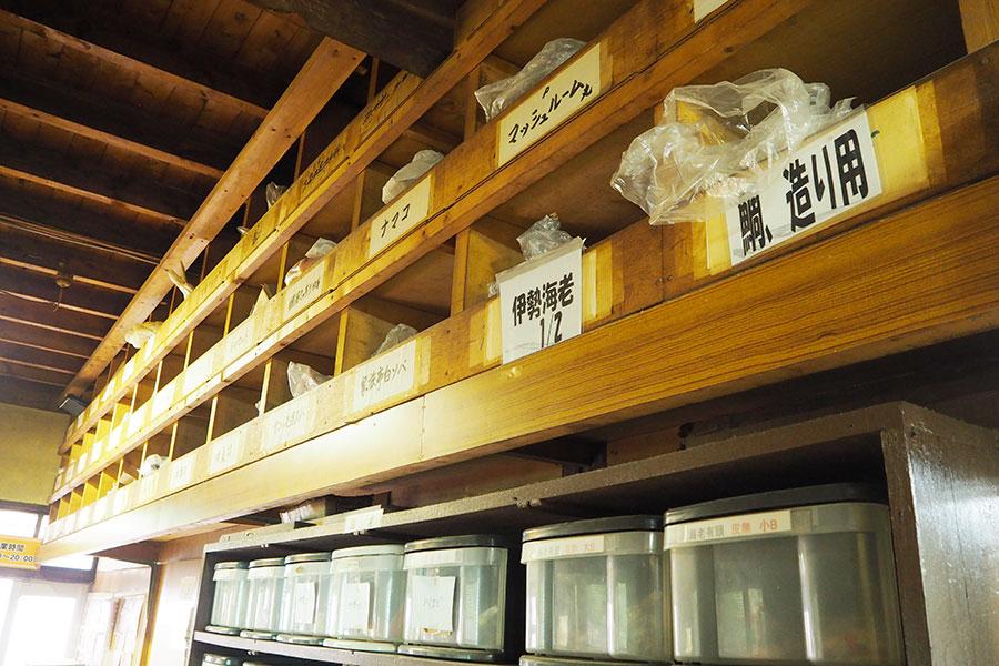 工場の倉庫には、1000以上ある食品&材料パーツ(規格部品)が、勢ぞろい