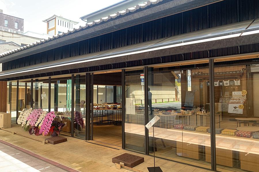 2020年11月、ひと足先にリニューアルオープンした本店の向かいにオープン
