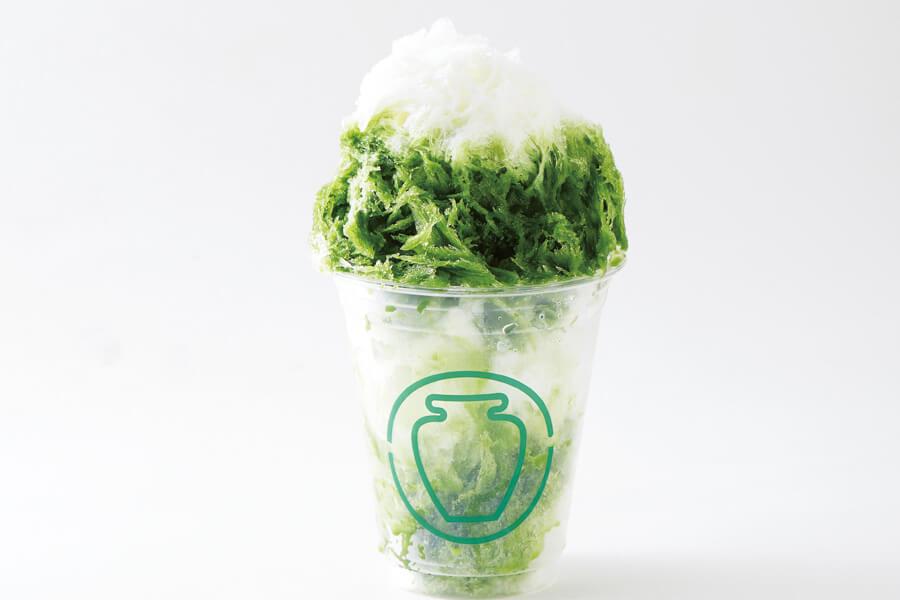 「つぼ市製茶本舗 NODATE」の利休抹茶ミルクかき氷。堺刃物で削られたフワフワの氷を使用